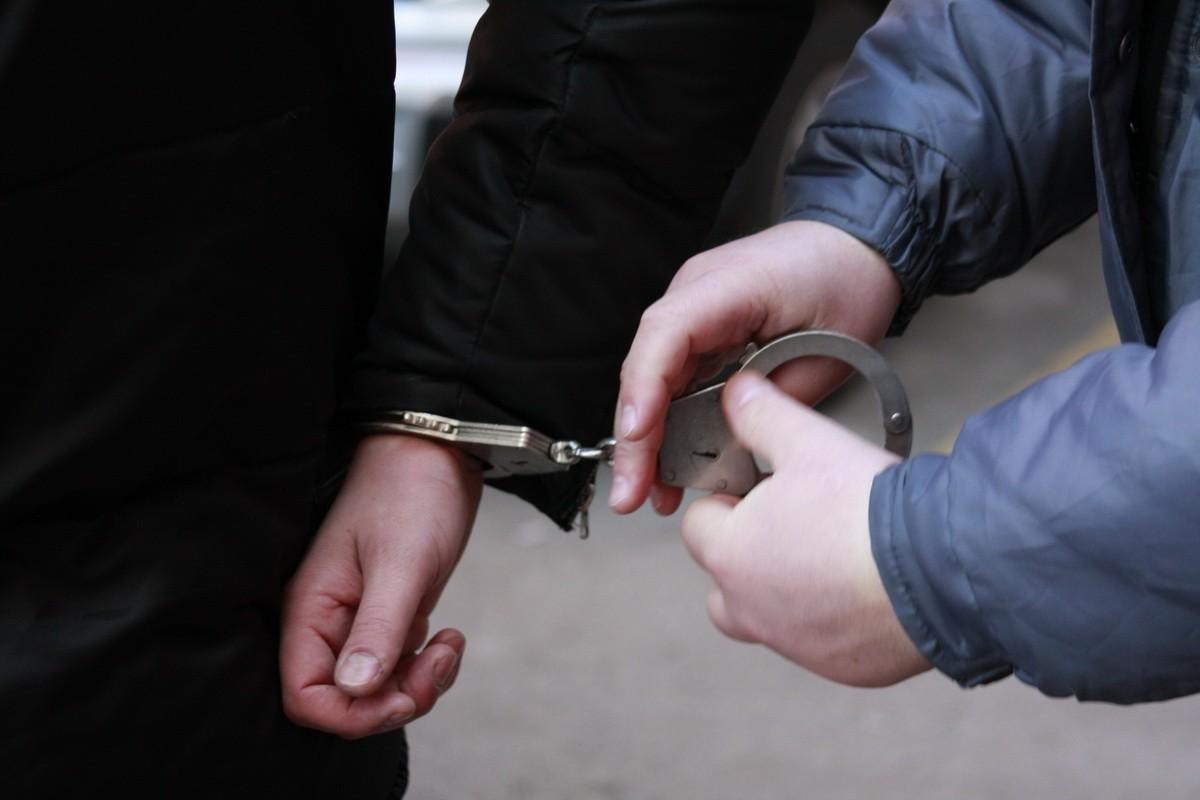 """В Алматы задержаны мужчины, вымогавшие у главы совета директоров """"БТА Банка"""" $1 млн"""