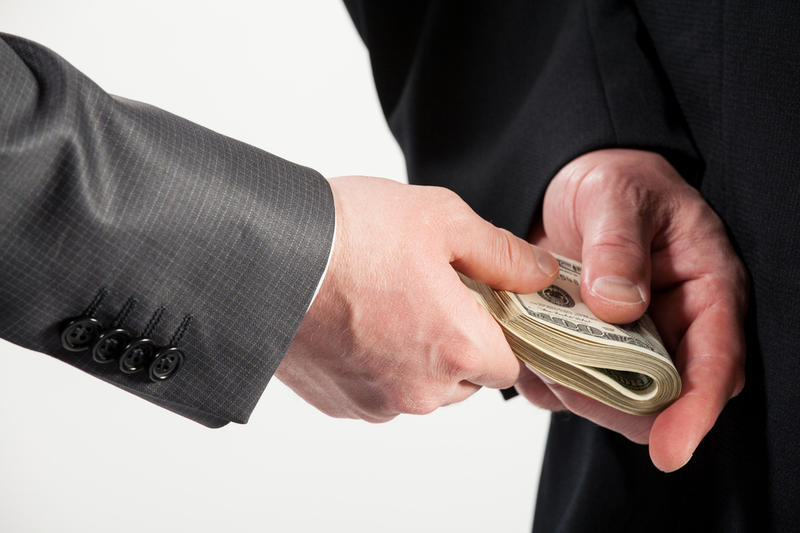 Более 700 дел о взяточничестве зафиксировали в РК за пять месяцев