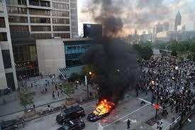 Миннеаполис в США охвачен беспорядками после убийства темнокожего местного жителя