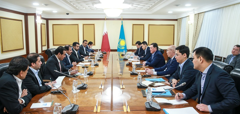 Аскар Мамин провел встречу с председателем Центробанка Катара