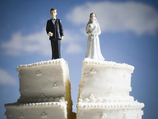 Бывший муж не отдает детей их матери