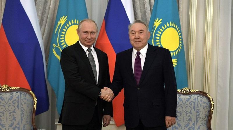 Путин предложил Назарбаеву назвать в его честь ракетный комплекс, который строят РФ и РК