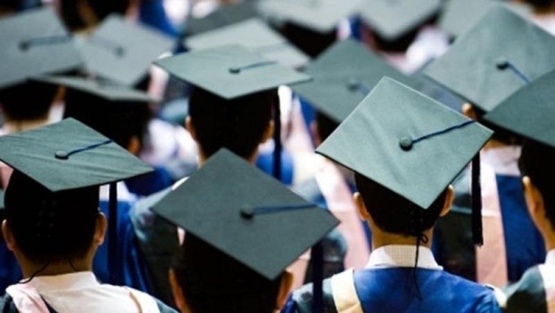 Государство попросили трудоустроить выпускников вузов