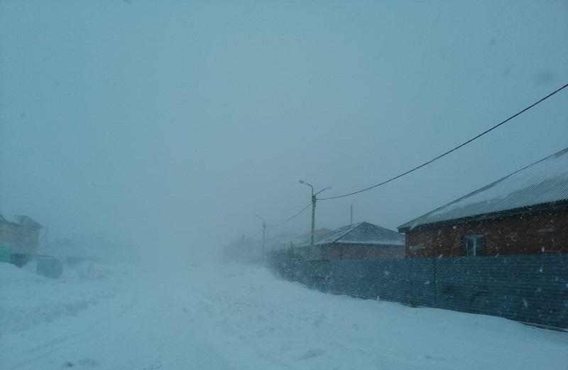 В Казахстане из-за непогоды закрыто движение на 32 участках республиканских дорог в восьми областях