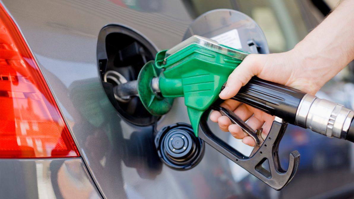 Казахстан изучает необходимость продления запрета на ввоз бензина из РФ ж.-д. транспортом
