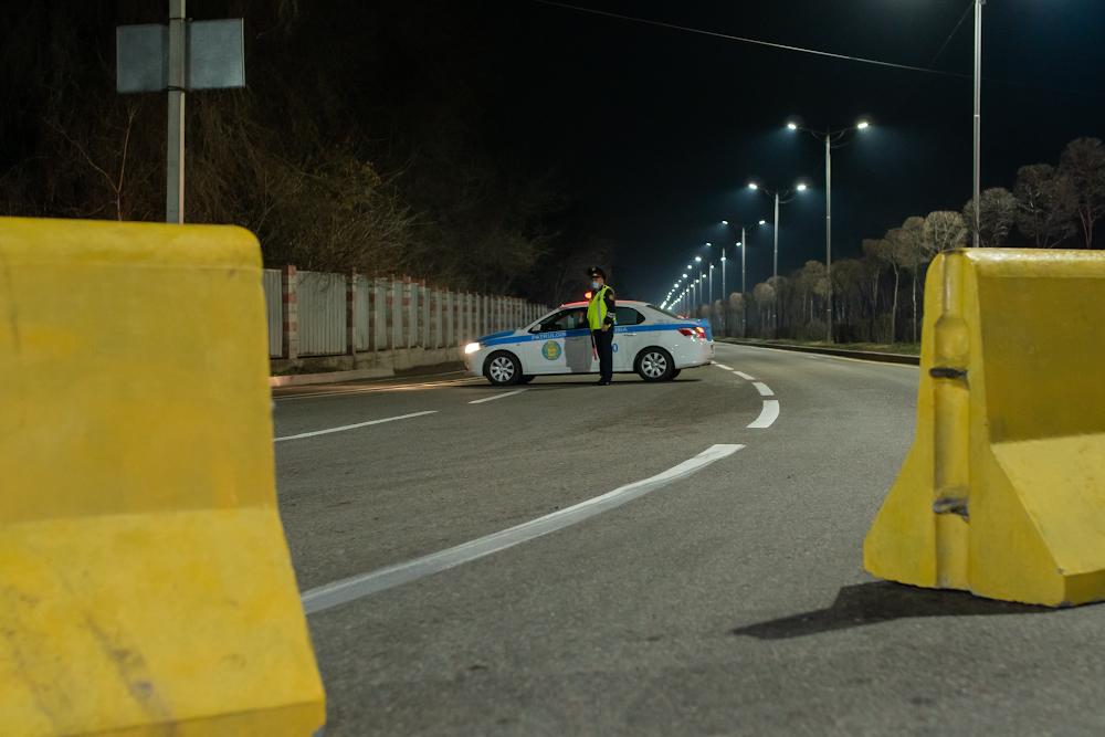 Блокпосты в Алматы отодвинут от границ города