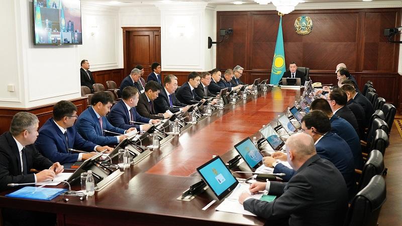 Премьер Казахстана поручил завершить в 2020 году реализацию крупных автодорожных проектов