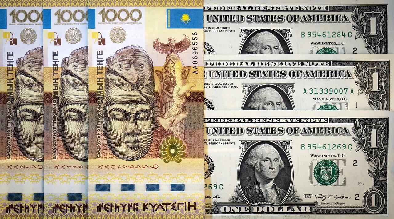 Объем нетто-продаж долларов обменными пунктами Казахстана составил более 555 млрд тенге