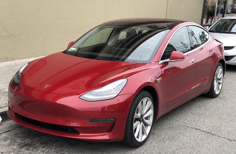 Tesla начала продавать Model 3 со своего шанхайского завода