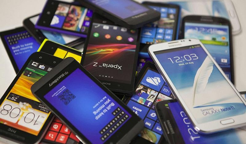 Смартфоны в Казахстане: поставки во втором квартале снизились на 2,3% за год