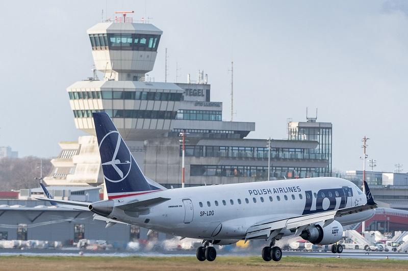 Польская авиакомпания откроет полеты из Варшавы в Алматы в 2020 году