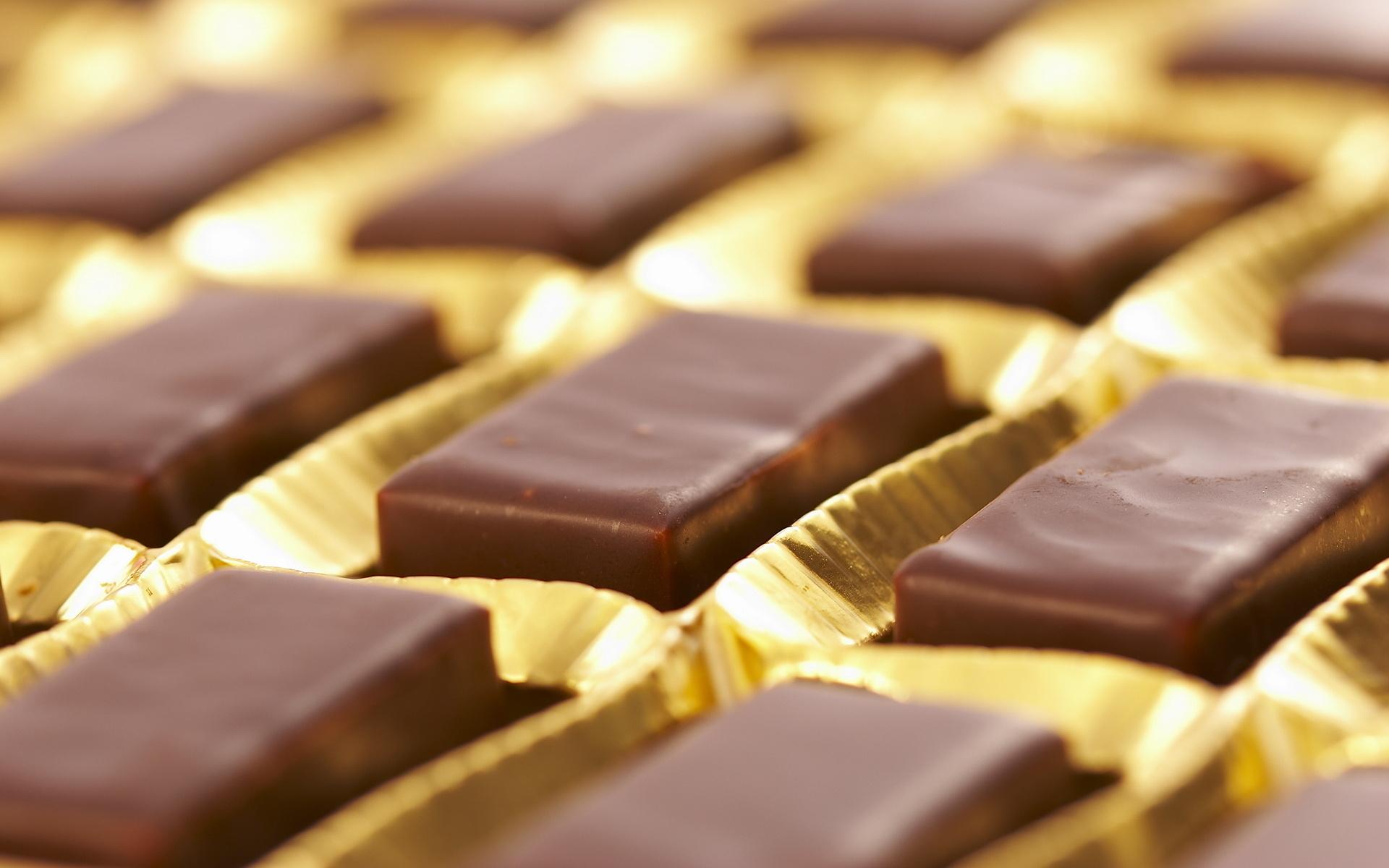 В Павлодаре задержаны подозреваемые, укравшие шоколад на 2,5 млн тенге