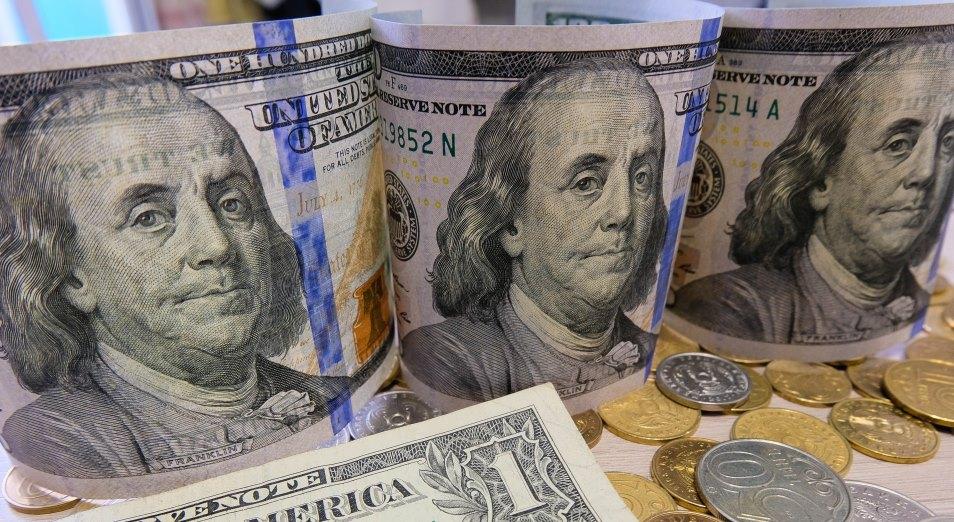 В ноябре вырос спрос на наличные доллары