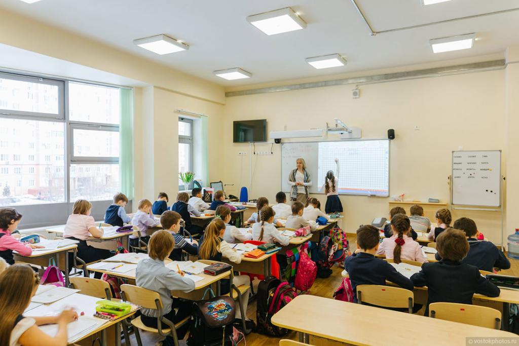 Президент поручил внедрить единые школьные учебники по истории Казахстана и всемирной истории