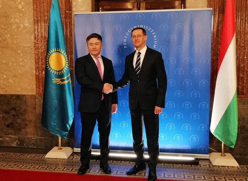 Казахстан и Венгрия договорились укрепить сотрудничество
