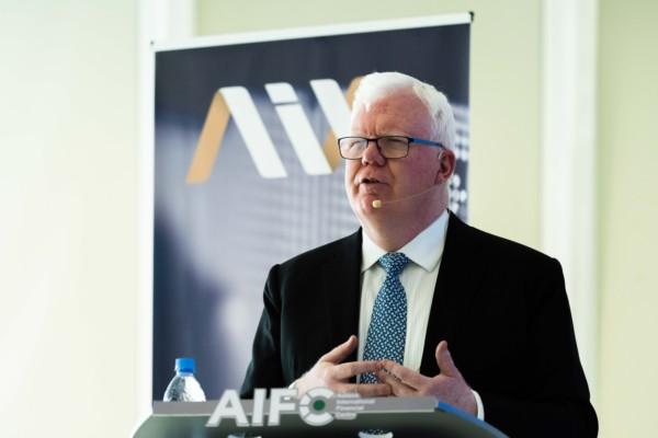 Тим Беннетт: Компании во всем мире настороженно относятся к IPO из-за экономического спада