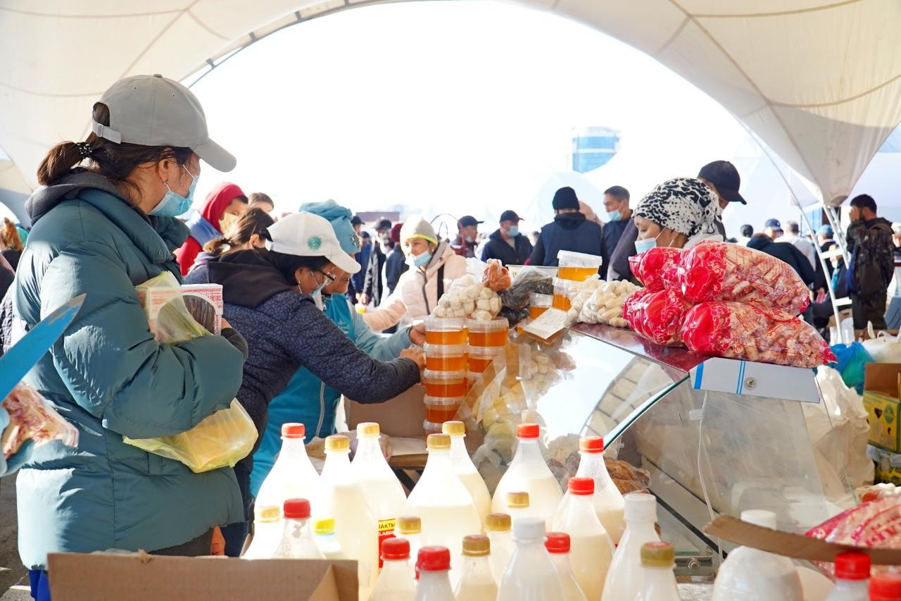 540 тонн продукции привезли фермеры Актюбинской и Кызылординской областей в Нур-Султан