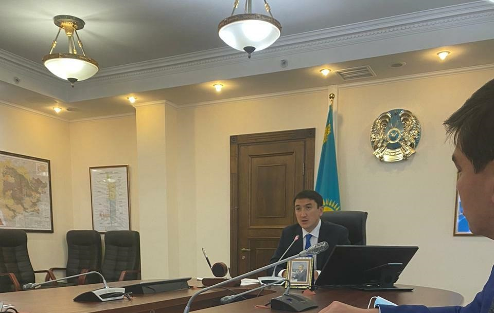 Министр экологии попросил акимат Атырау и АНПЗ раскрыть для населения всю информацию о выбросах