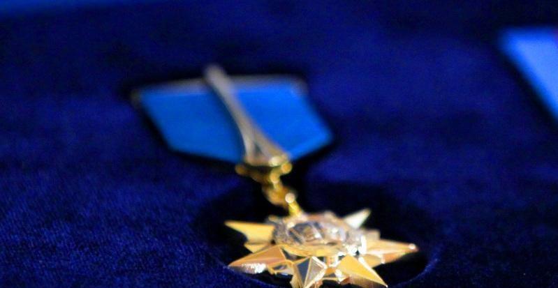 Кому Президент РК присвоил звание «Қазақстанның Еңбек Ері»