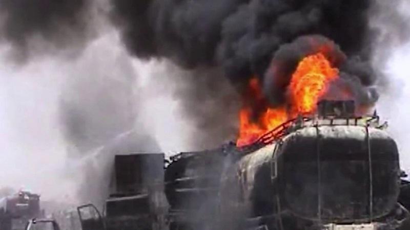 Пожар в поезде унес жизни 60 человек в Пакистане