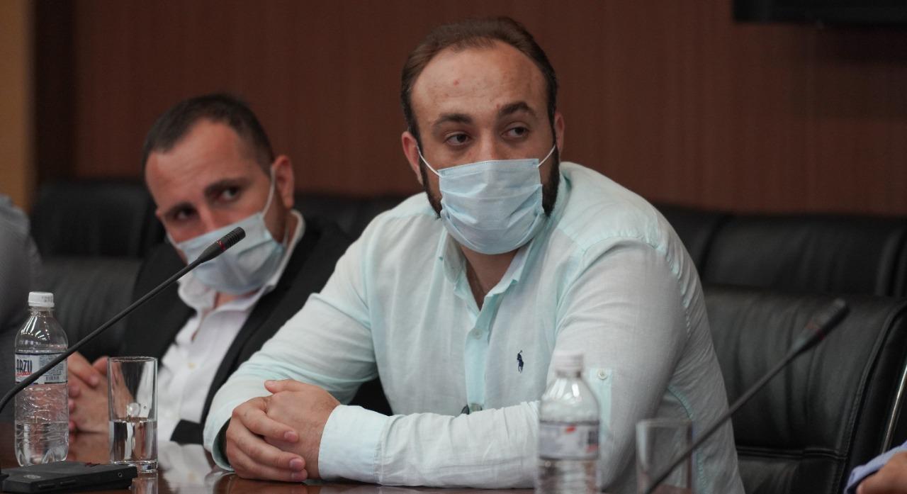 Пятеро врачей из Грузии приехали в Атыраускую область для борьбы с COVID-19