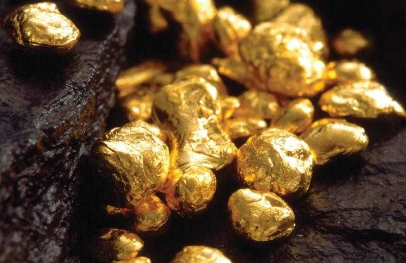 Цена золота достигла максимума с 2012 года