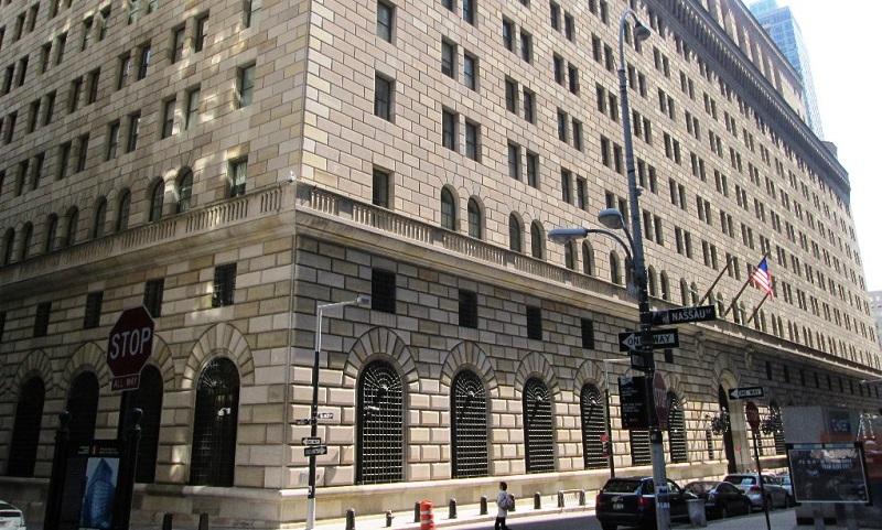 ФРБ Нью-Йорка третий день подряд вмешался в ход торгов на денежном рынке
