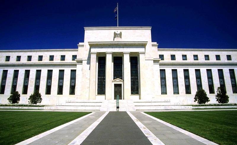 Экономика США сталкивается с серьезными рисками и неопределенностью – член ФРС