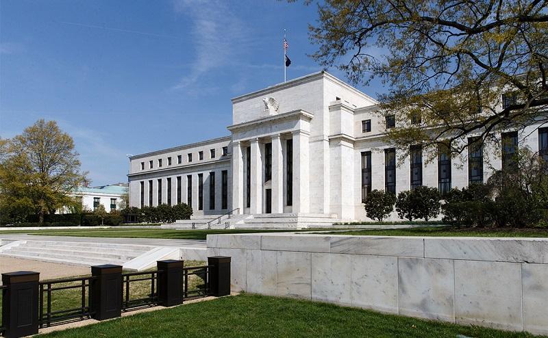 В каком случае может произойти снижение ставки ФРС