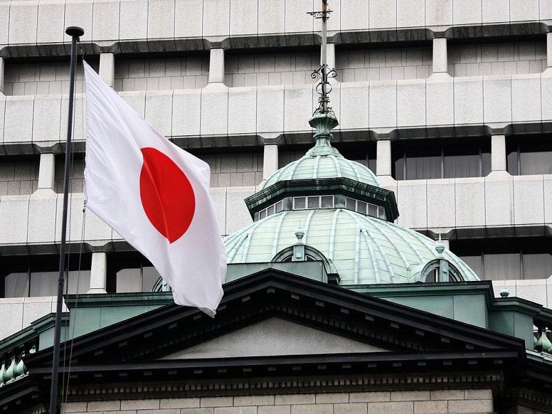 Япония может потратить на оборону $50 млрд