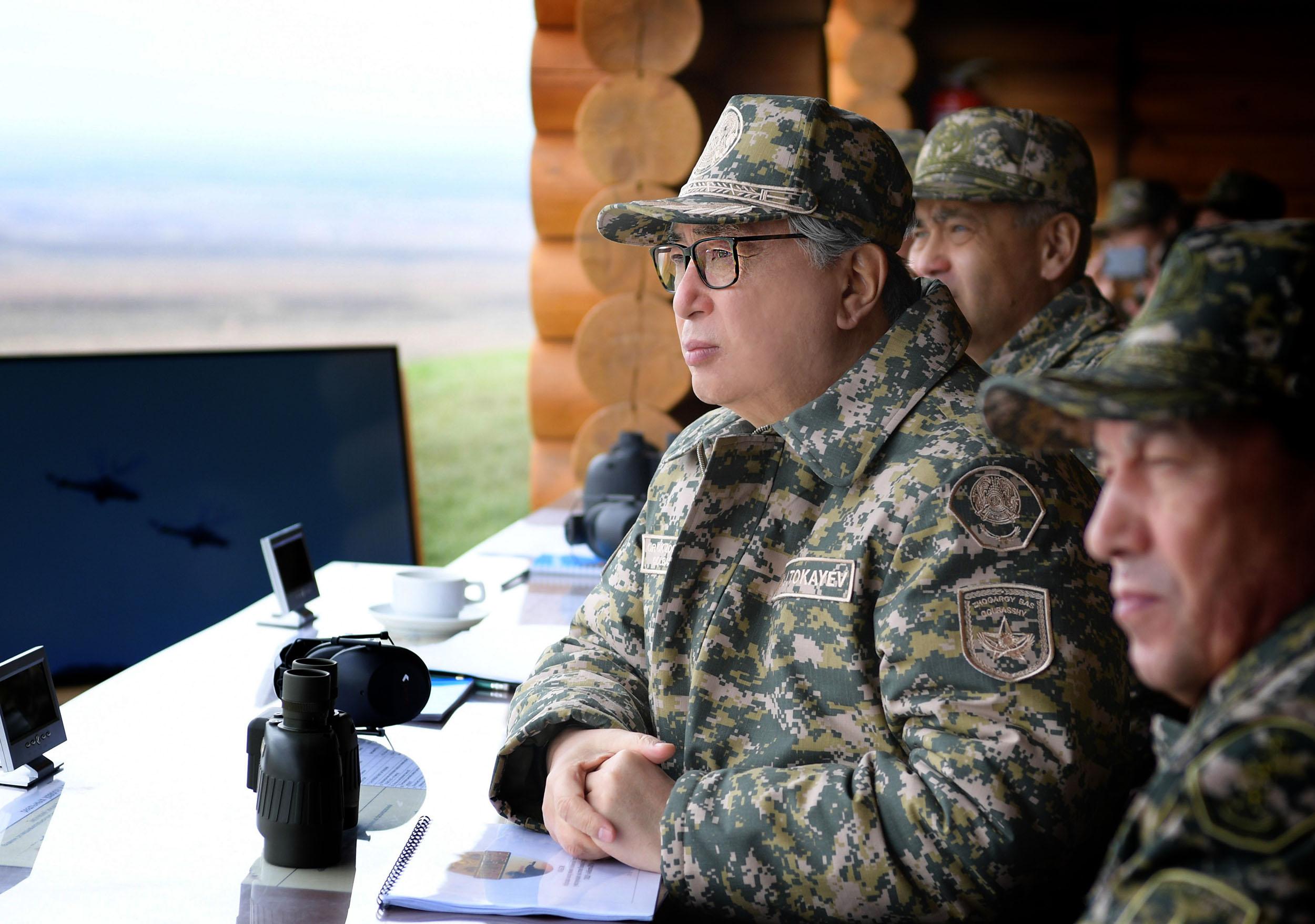 Касым-Жомарт Токаев принял участие в стратегических командно-штабных учениях «Айбалта-2019»