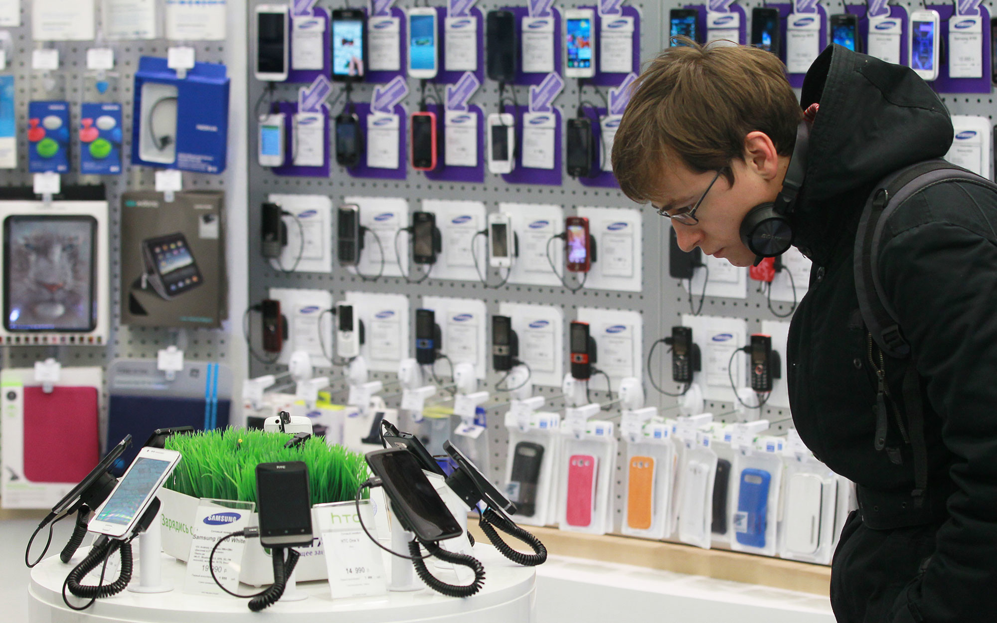 Из-за коронавируса приостановлены поставки смартфонов из Китая в Россию
