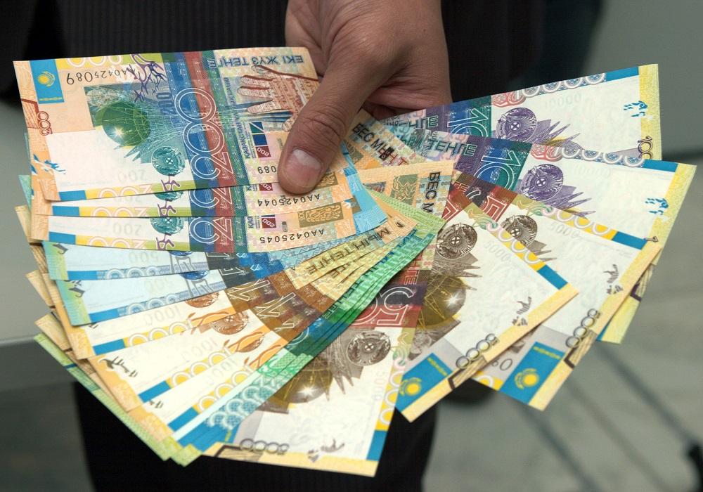 Почти полторы тысячи павлодарцев получили социальную выплату в 42 500 тенге