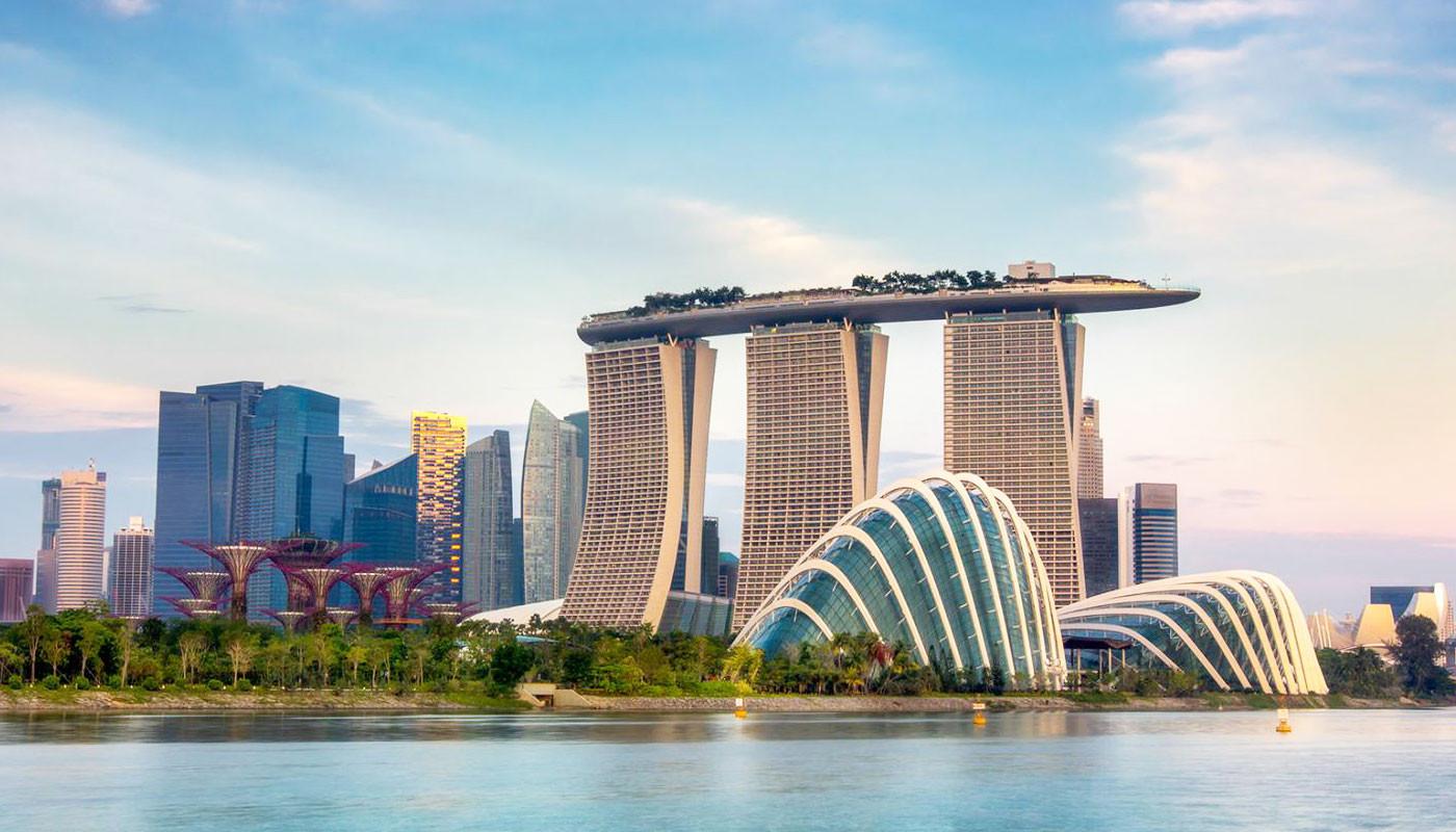 Инвесторы из Гонконга активно переводят средства в Сингапур