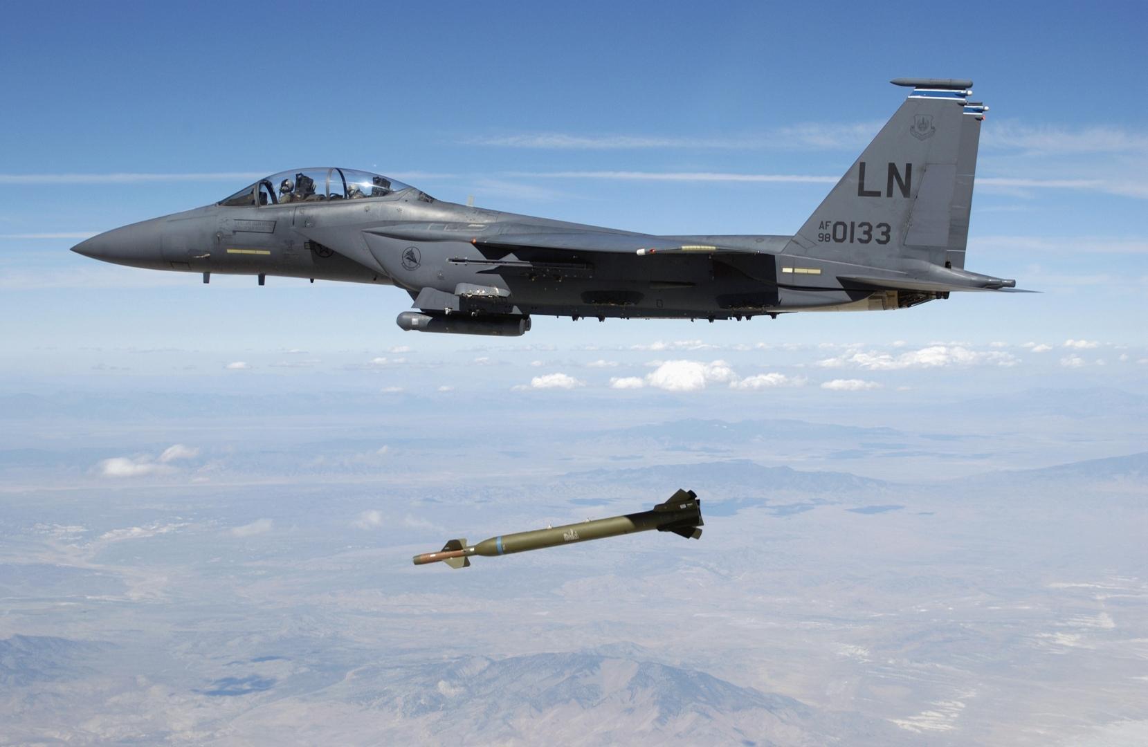 В США отрицают информацию о нанесении авиаударов по району Эт-Таджи к северу от Багдада