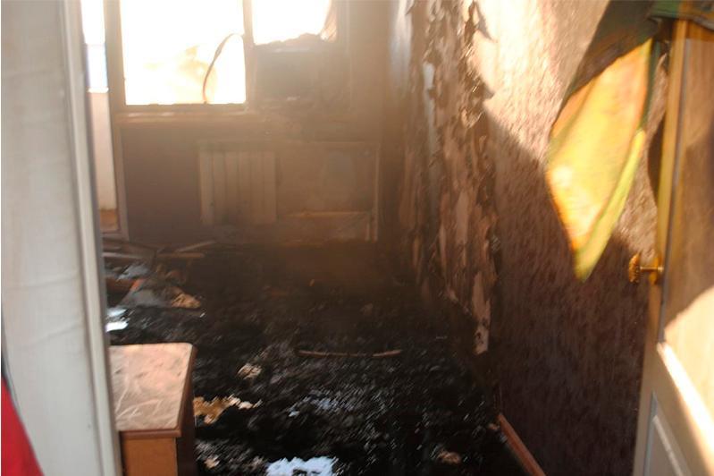 В Атырау из-за пожара в пятиэтажке эвакуировали 35 человек