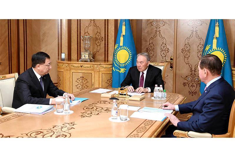 Нурсултан Назарбаев принял заместителя председателя АНК Жансеита Туймебаева