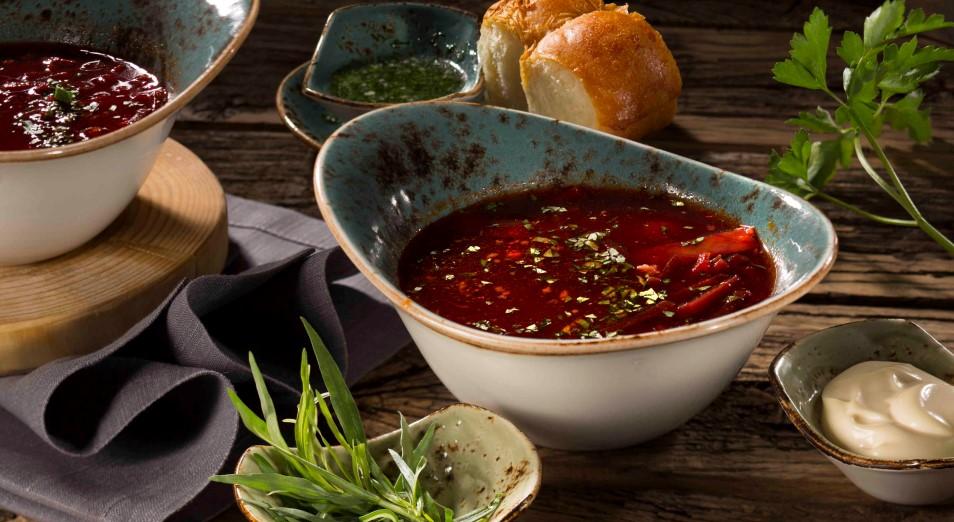 «Голландцы обожают наш борщ»: казахстанка открыла ресторан в Амстердаме