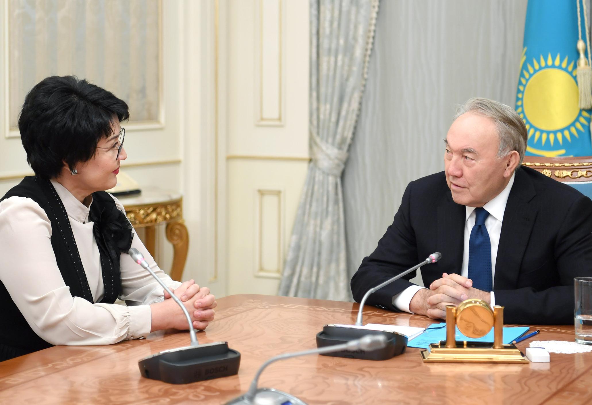 Нурсултан Назарбаев встретился с народной артисткой РК Жанией Аубакировой