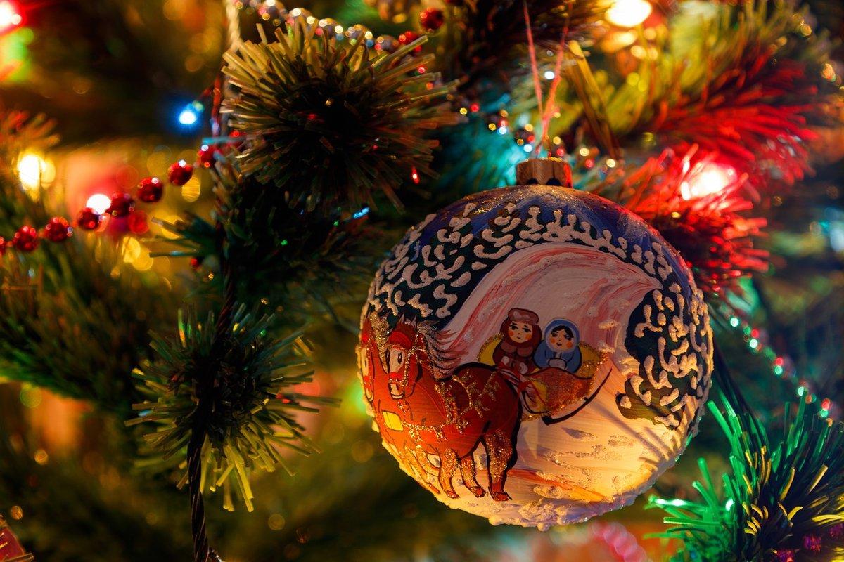 В России спрос на товары для праздников вырос в 2,5 раза