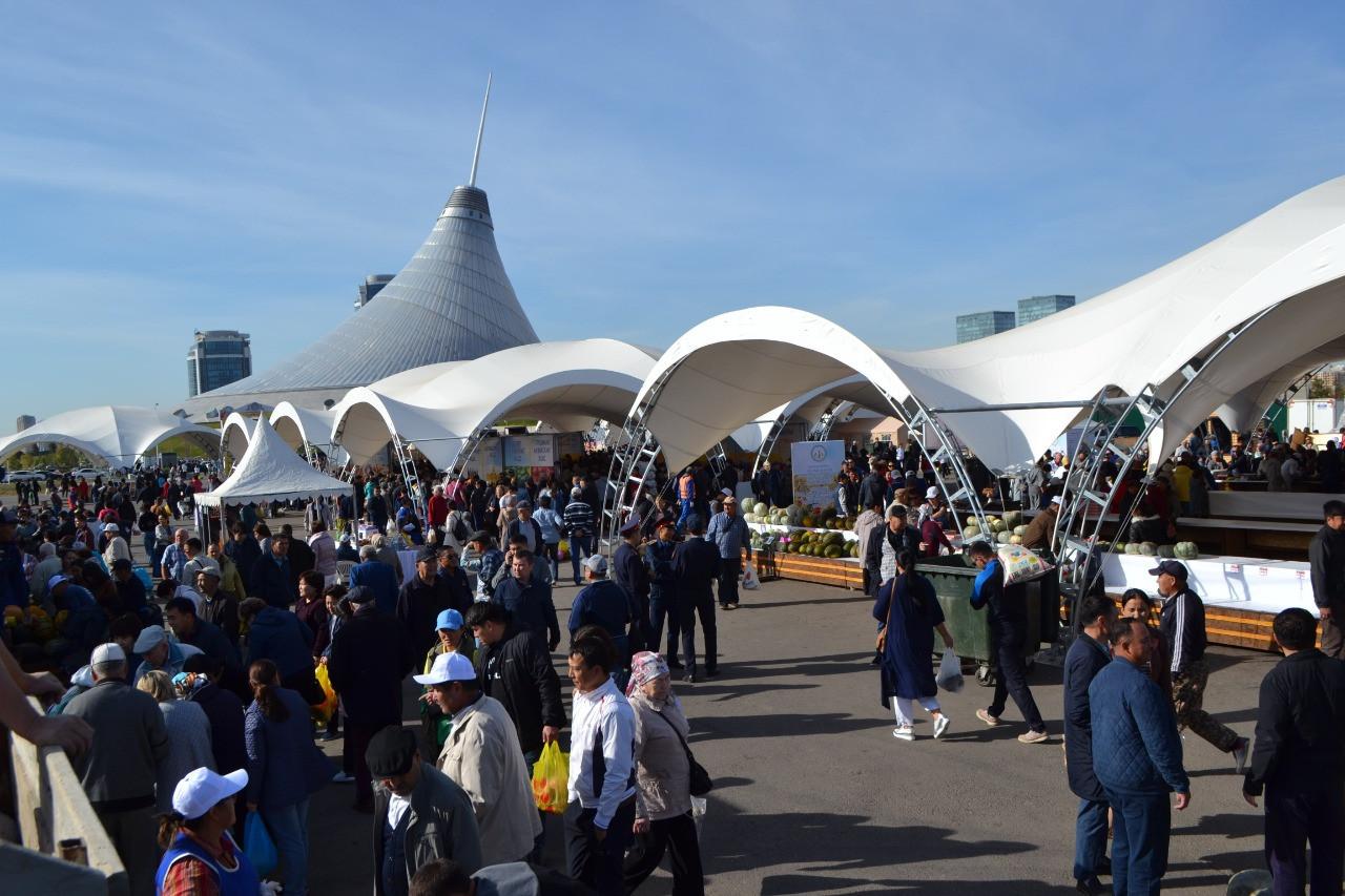 Актюбинская и Кызылординская области представили свою продукцию на ярмарке в столице