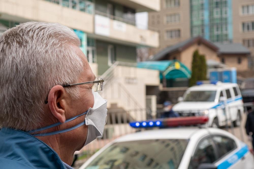 В Алматы будут штрафовать за появление в транспорте без маски