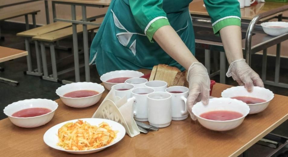 Учеников 1-4 классов Павлодарской области обеспечат питанием