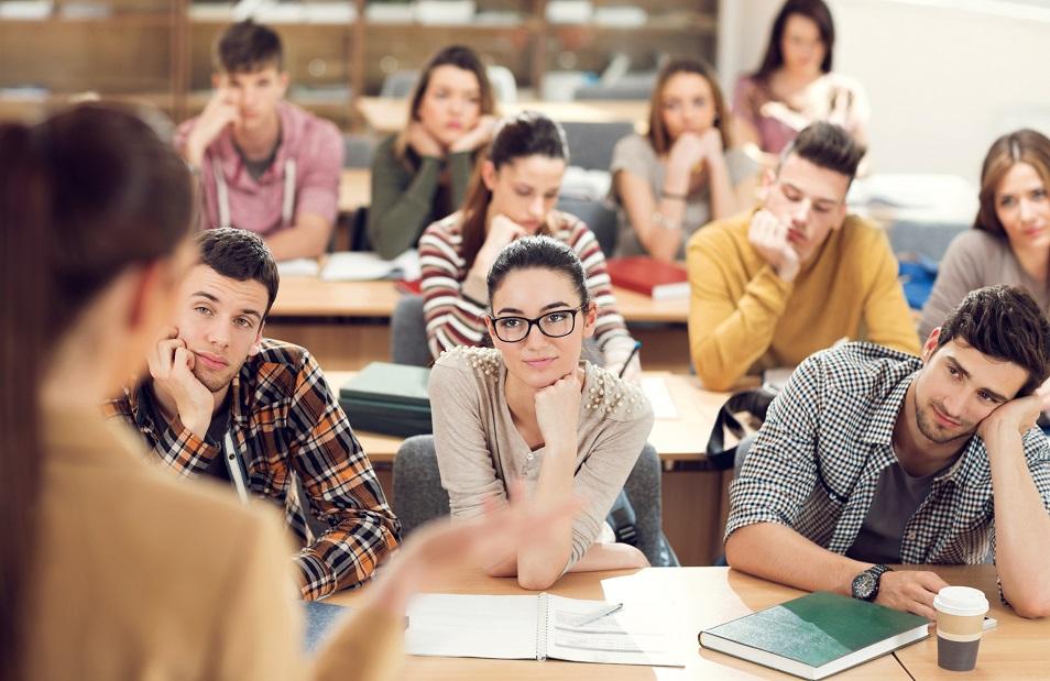ВУЗ в Алматы временно лишили лицензии из-за низкой успеваемости студентов