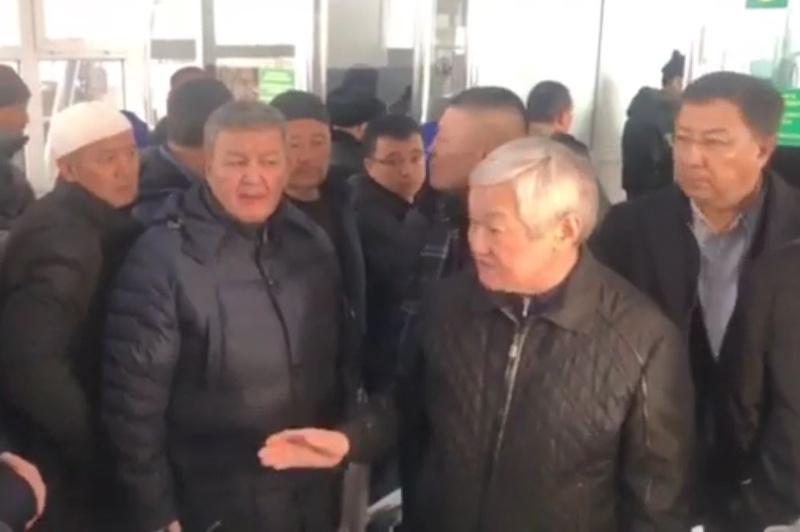 Қордайдағы төбелестен соң Қырғызстанға кеткен тұрғындар үйлеріне қайтып жатыр