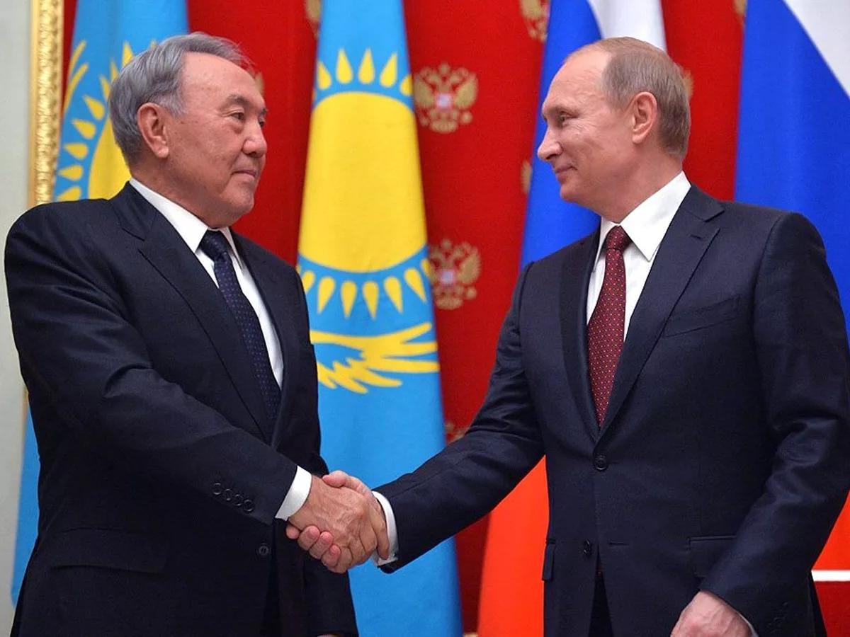 """Путин: """"Қиын сәтте қолдау білдіргім келеді"""""""
