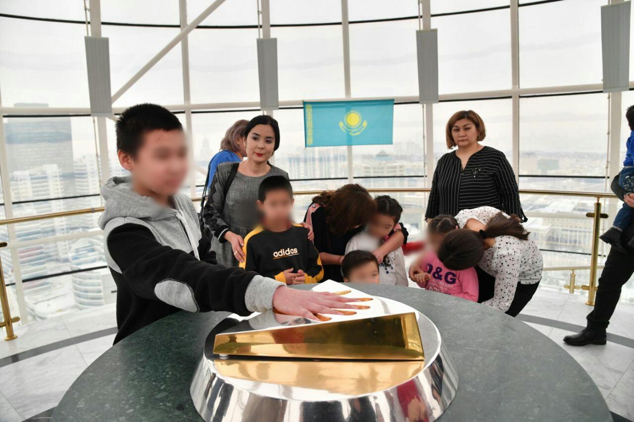 Дети, возвращенные из Ирака, воссоединились с родственникам