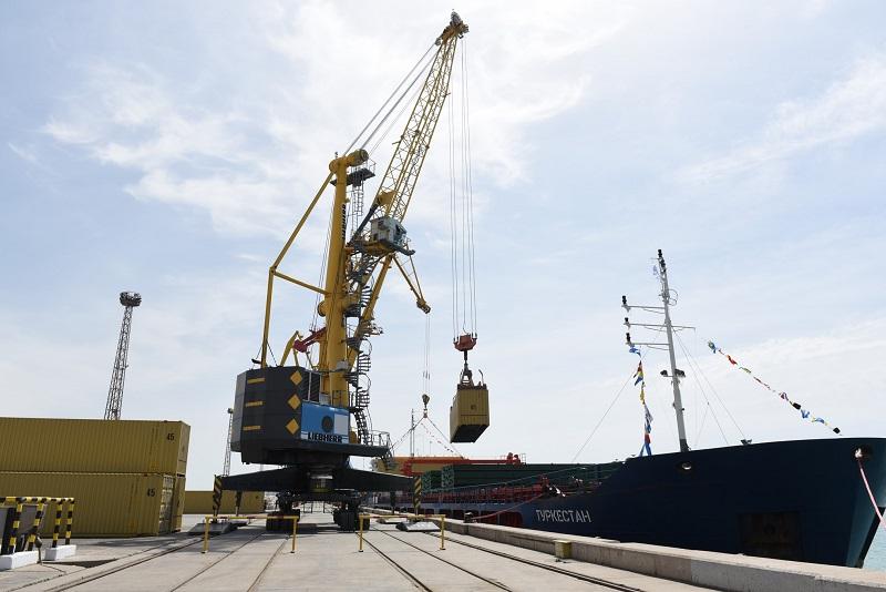 Каспийский фидер: 10 тысяч контейнеров – КТЖ
