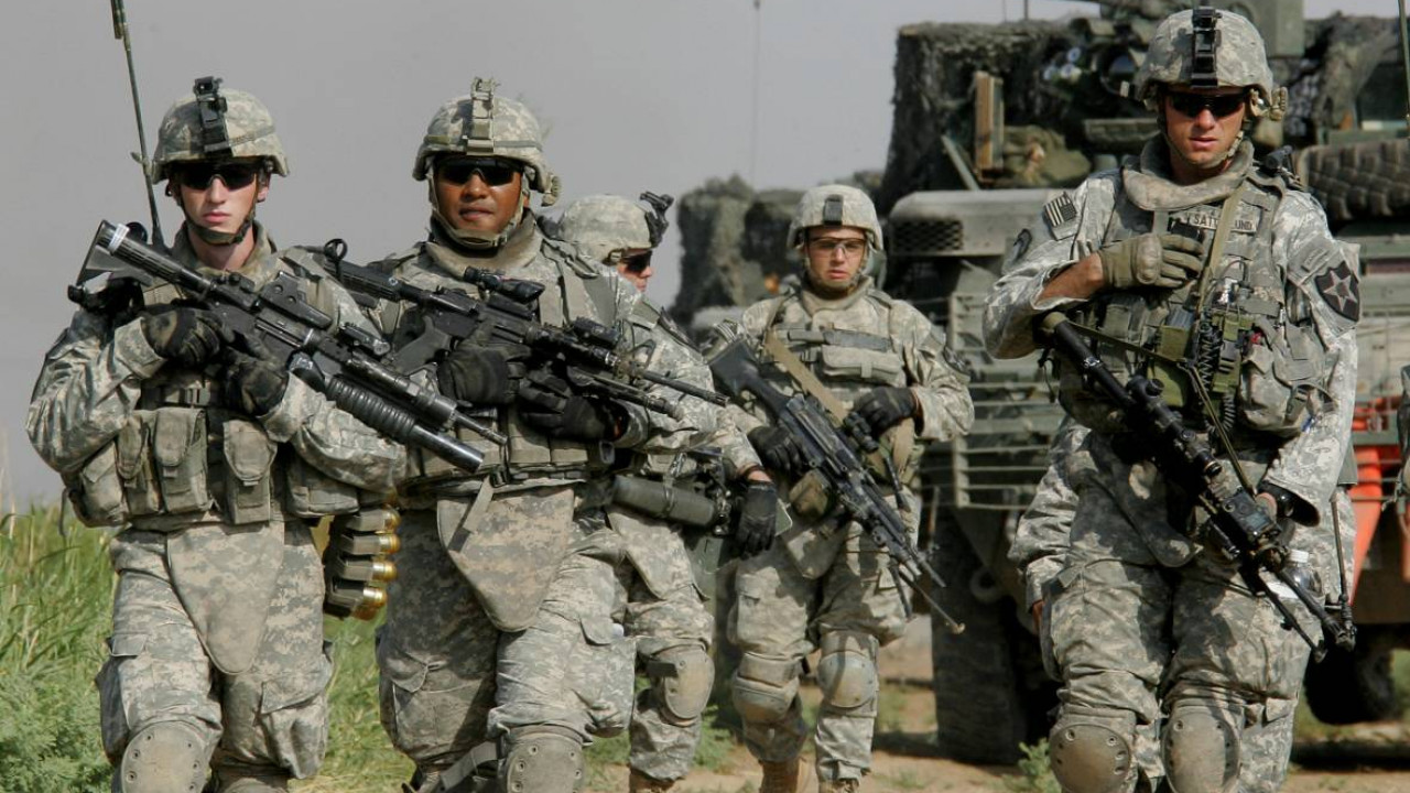 Колонна американских ВС вернулась в Сирию с территории Ирака