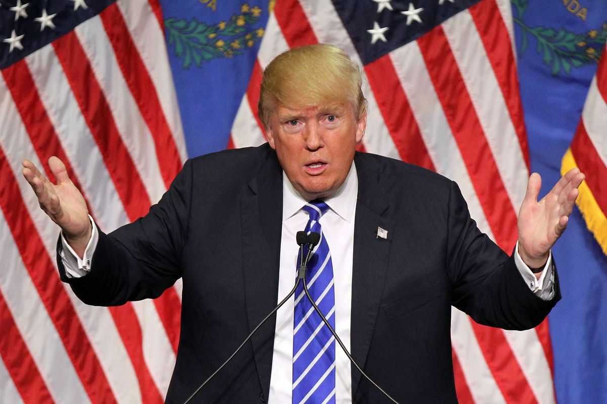 """Трамп на фоне начала процедуры импичмента заявил о необходимости """"остановить"""" демократов"""